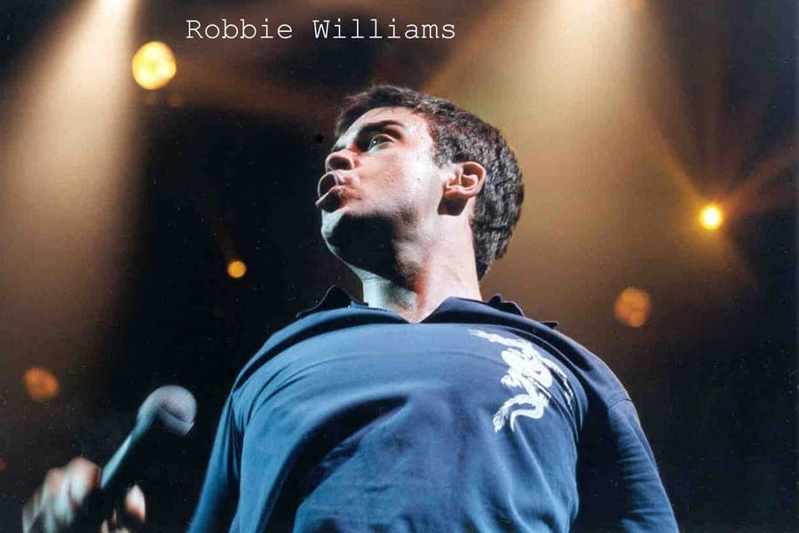 Robbie Williams performing at Sheffield Arena - by 123 Photography
